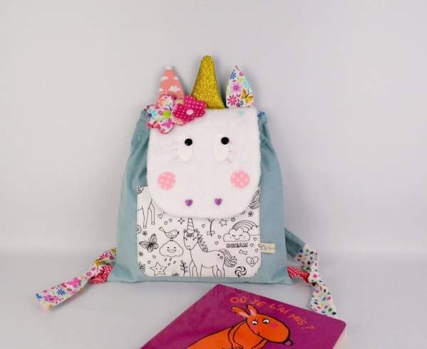 sac-licorne-personnalisable-couleurs-prenom-bleu-rose-corail-papillon-fleurs-unicorn-backpack-baby-persoanlized-name