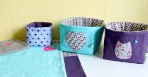corbeilles-tissu-table-a-langer-rangement-produits-toilette-bebe-violet-bleu-turquoise-rose-vif-hibou-chouette