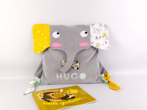 sac-a-dos-enfant-personnalise-prenom-hugo-elephant-sac-garcon-premiere-rentree-des-classes-ecole-maternelle-cartable-personnalisable-gris-jaune-moutarde-vert-menthe