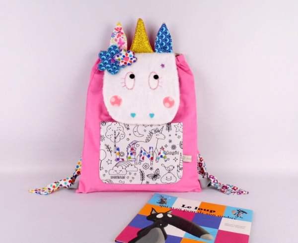 sac-licorne-personnalise-prenom-lena-cartable-maternelle-personnalisable-couleurs-rose-bleu