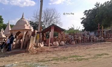 Stone Sculpture Stores at Sikandara (road stretch - NH 19 Fatehpur Sikri - Jaipur)