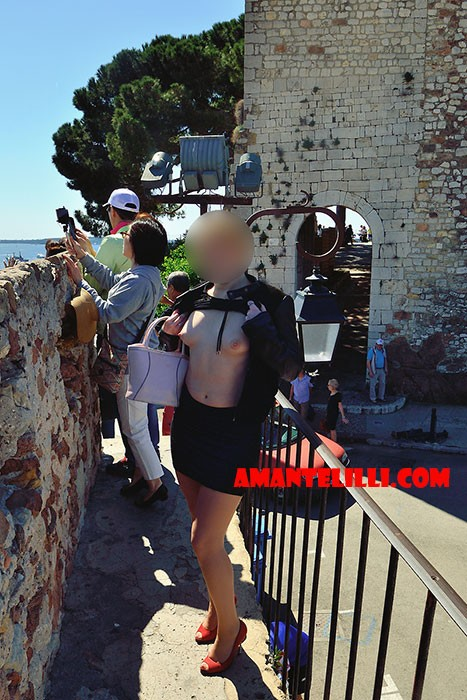AmanteLilli-flashing-exhib-Cannes-11