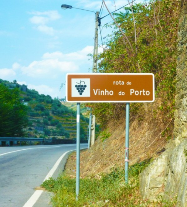 vila-do-pinhao-centro-da-regiao-demarcada-do-vinho-do-porto-1