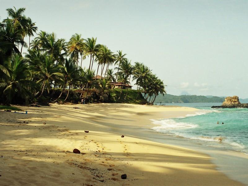 Praia em São Tomé