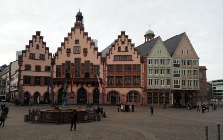 Frankfurt-O Römer na Praça Römer- Alemanha