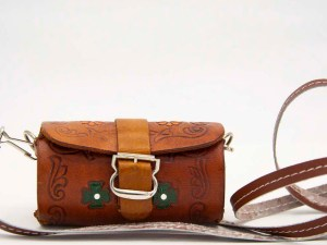 handmade-mexican-artisanal-hand-tooled-leather-girls-handbag-047