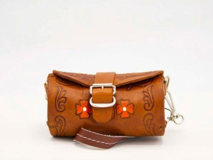 handmade-mexican-artisanal-hand-tooled-leather-girls-handbag-050