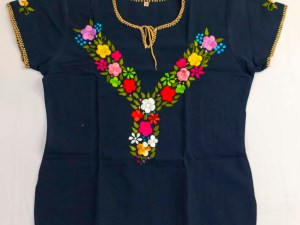 traditional-embroidered-mexican-blouse-036