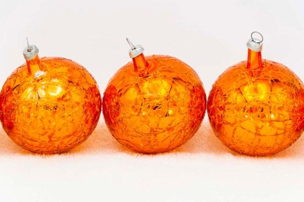 hand-blown-christmas-glass-balls-ornaments-029