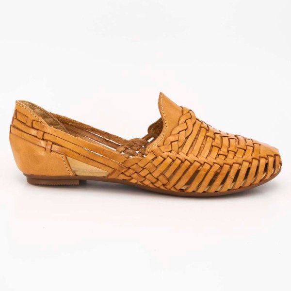 amantli-handmade-mexican-huarache-sandal-shoe-low-sole-benita-honey-outer-view-075