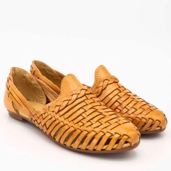 amantli-handmade-mexican-huarache-sandal-shoe-low-sole-benita-honey-pair-view-074
