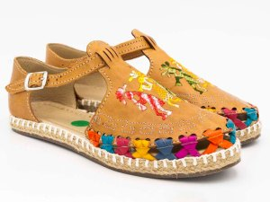 amantli-handmade-mexican-huarache-sandal-shoe-low-sole-camelia-honey-pair-view-079