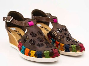 amantli-handmade-mexican-sandal-shoe-medium-sole-juanita-brown-pair-view-017
