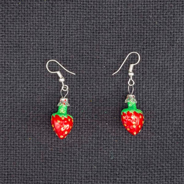 strawberry-hand-blown-glass-red-earrings-020