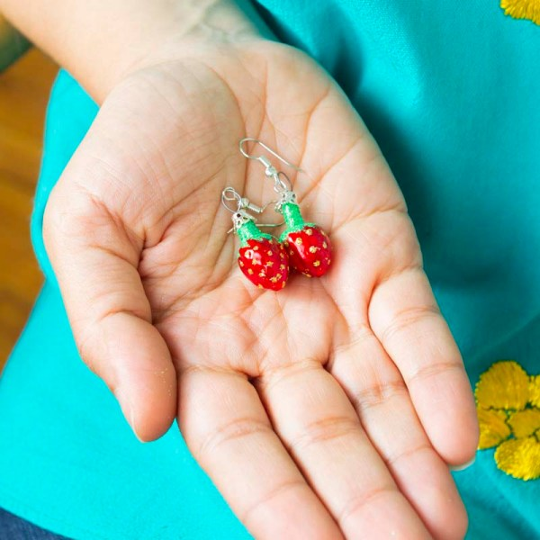strawberry-hand-blown-glass-red-earrings-023