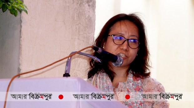 'অভিবাসন মেলা'য় বক্তব্য দেন আন্তর্জাতিক অভিবাসন সংস্থার একজন উর্ধ্বতন কর্মকর্তা