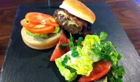 amarcord-restaurant-burger-near-British-museum-in-holborn