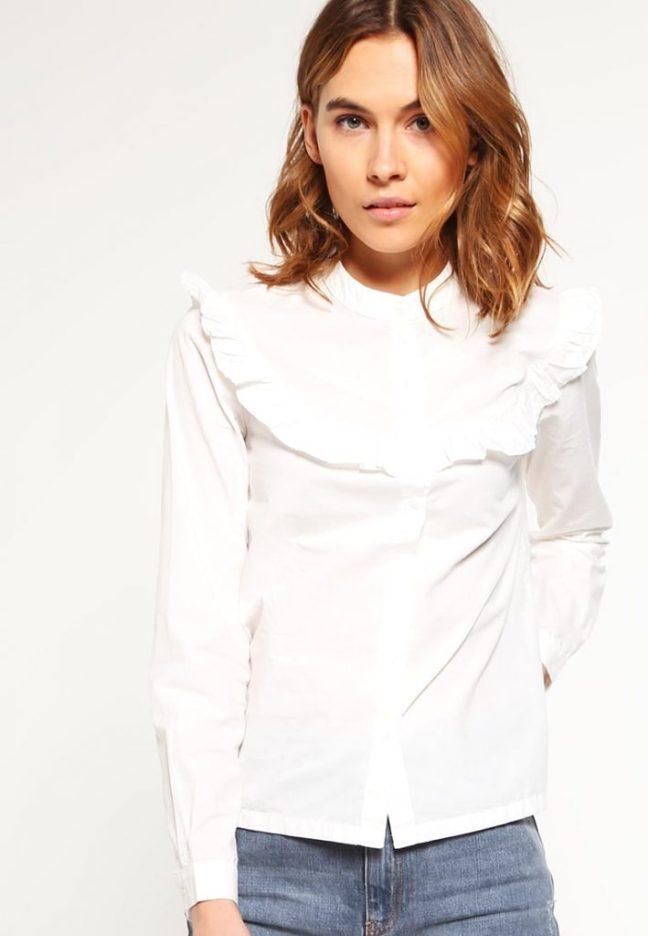 una camisa especial de vero moda