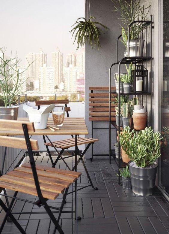 ideas para decorar balcones pequeños con plantas y macetas