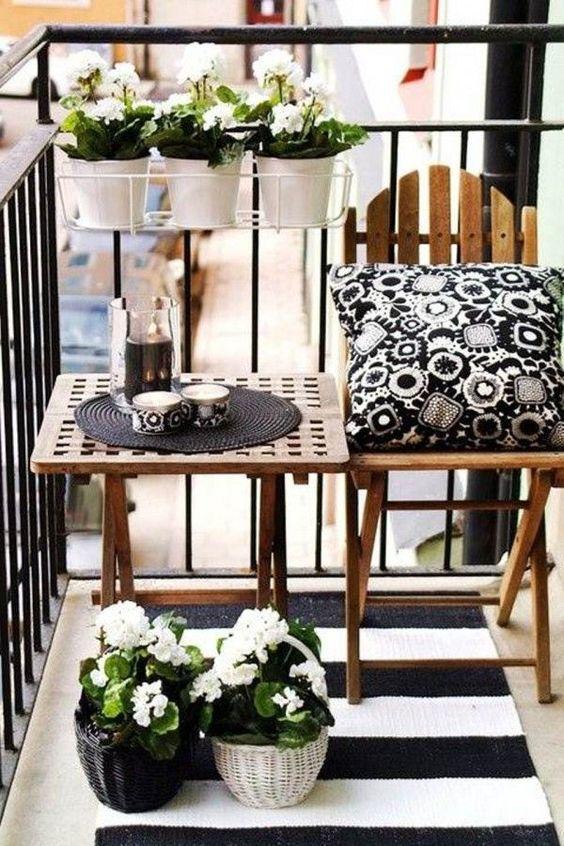 ideas para decorar balcones pequeños con textiles de exterior