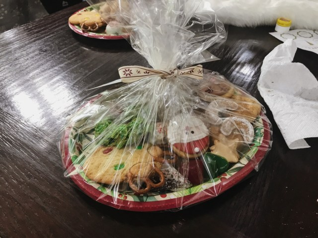 wrapped-cookie-tray