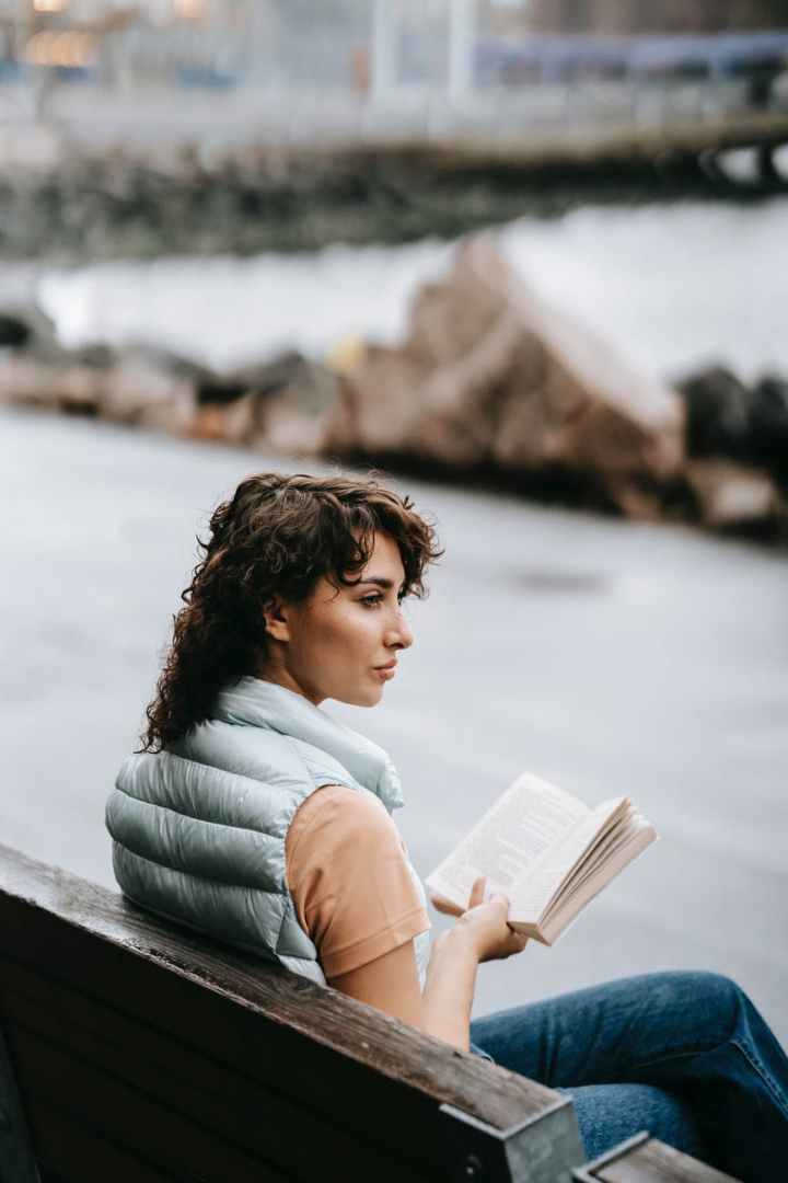 Reading would help become a deep thinker