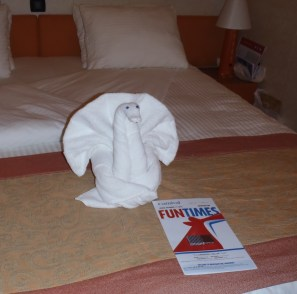 Towel Animal And Daily Itinerary