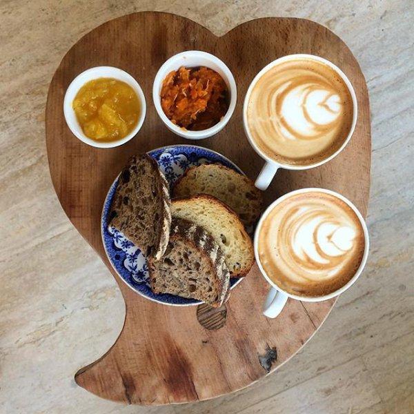 Café con tostadas en Amasa