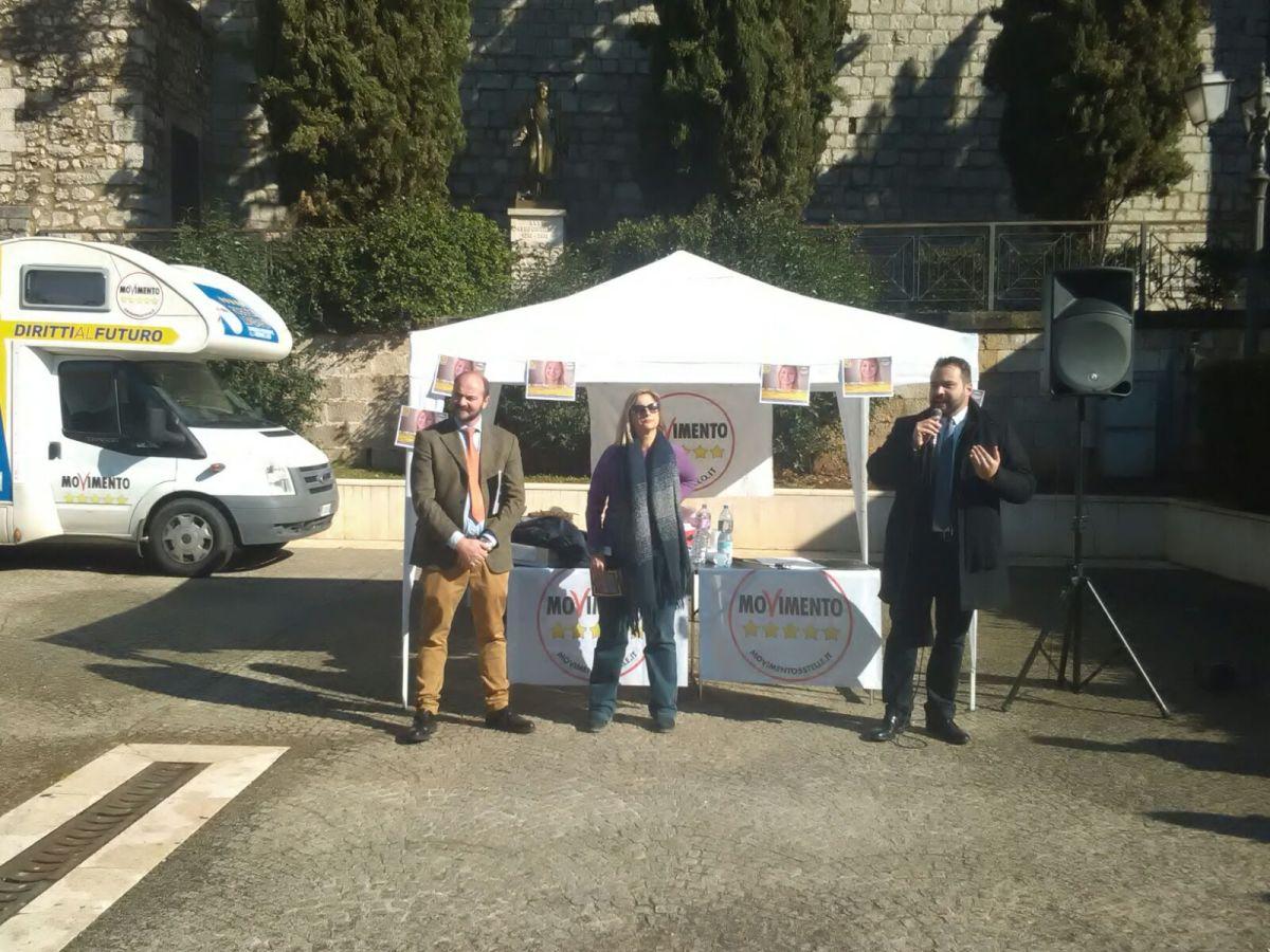 Il M5S apre la campagna elettorale, la Lombardi ad Amaseno