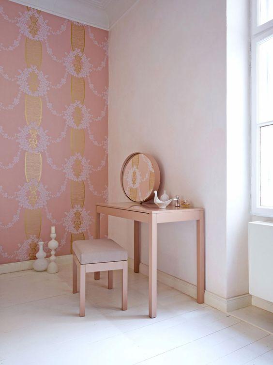 Angoloe beauty in rosa di ispirazione giapponese