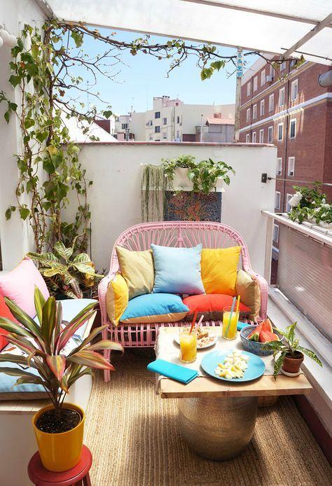 Un balcone arredato per l'estate