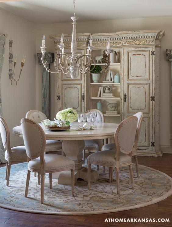 Sala da pranzo in stile provenzale