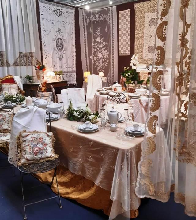 Tessuti preziosi per la tavola e la decorazione della casa