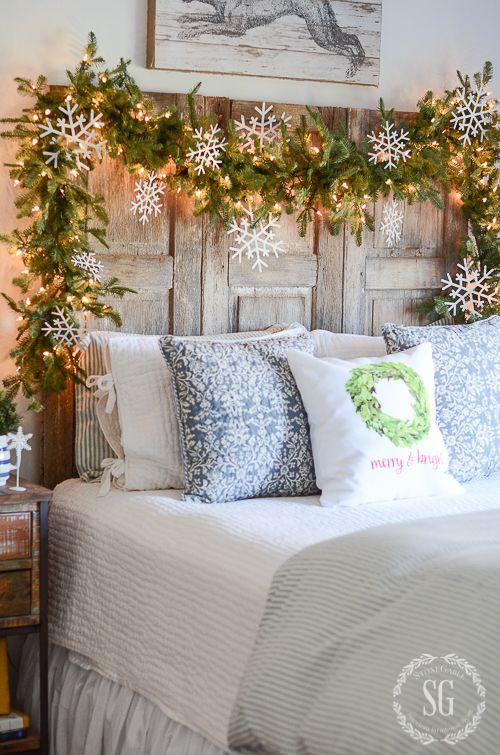 Decorazione natalizia diy per la testata del letto su Stogableblog