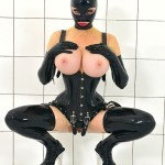 MIS FETICHES: LATEX LUCY PRICK ON A STICK I