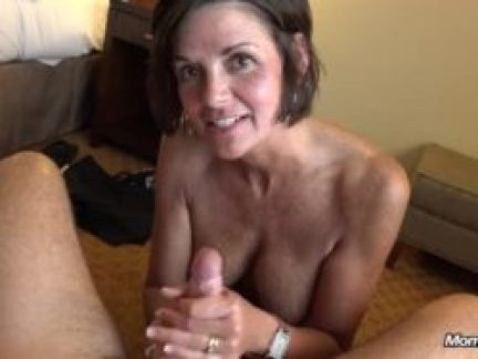 Good Old well trained MILF gets a facial