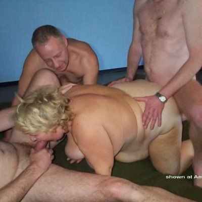 amateur mother daughter threesome