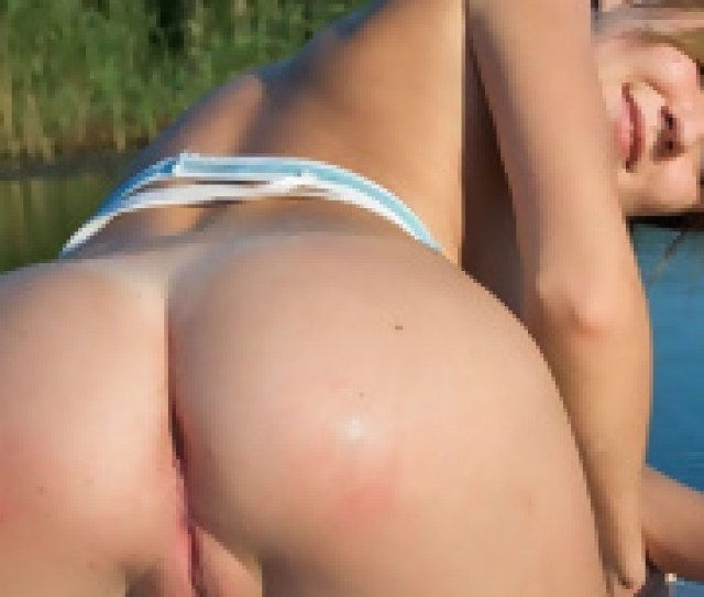 Amateur Nudist Girl Show Big Ass Porn Photos