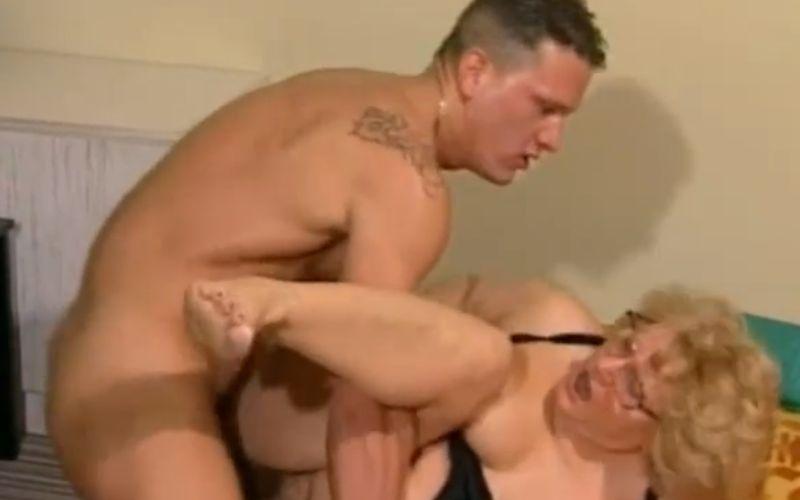 Gespierde lesbische Porn
