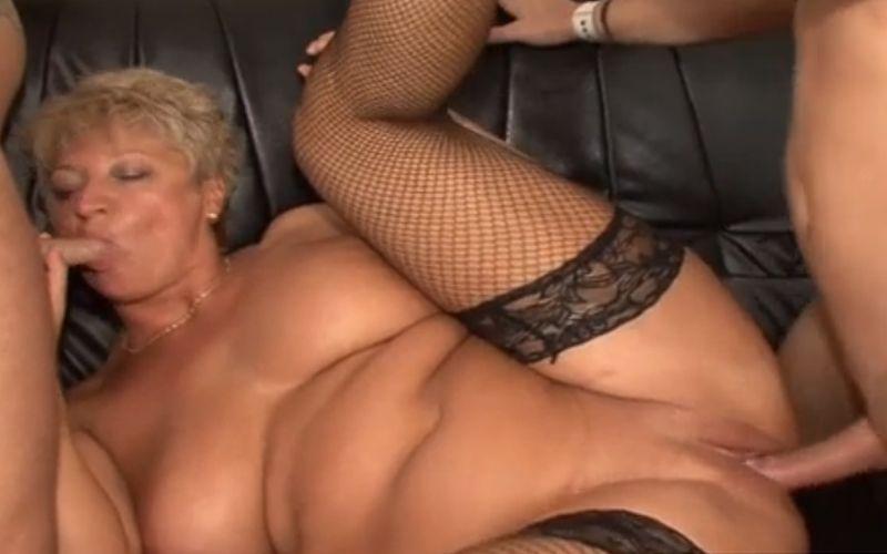 Jongen en MILF Porn