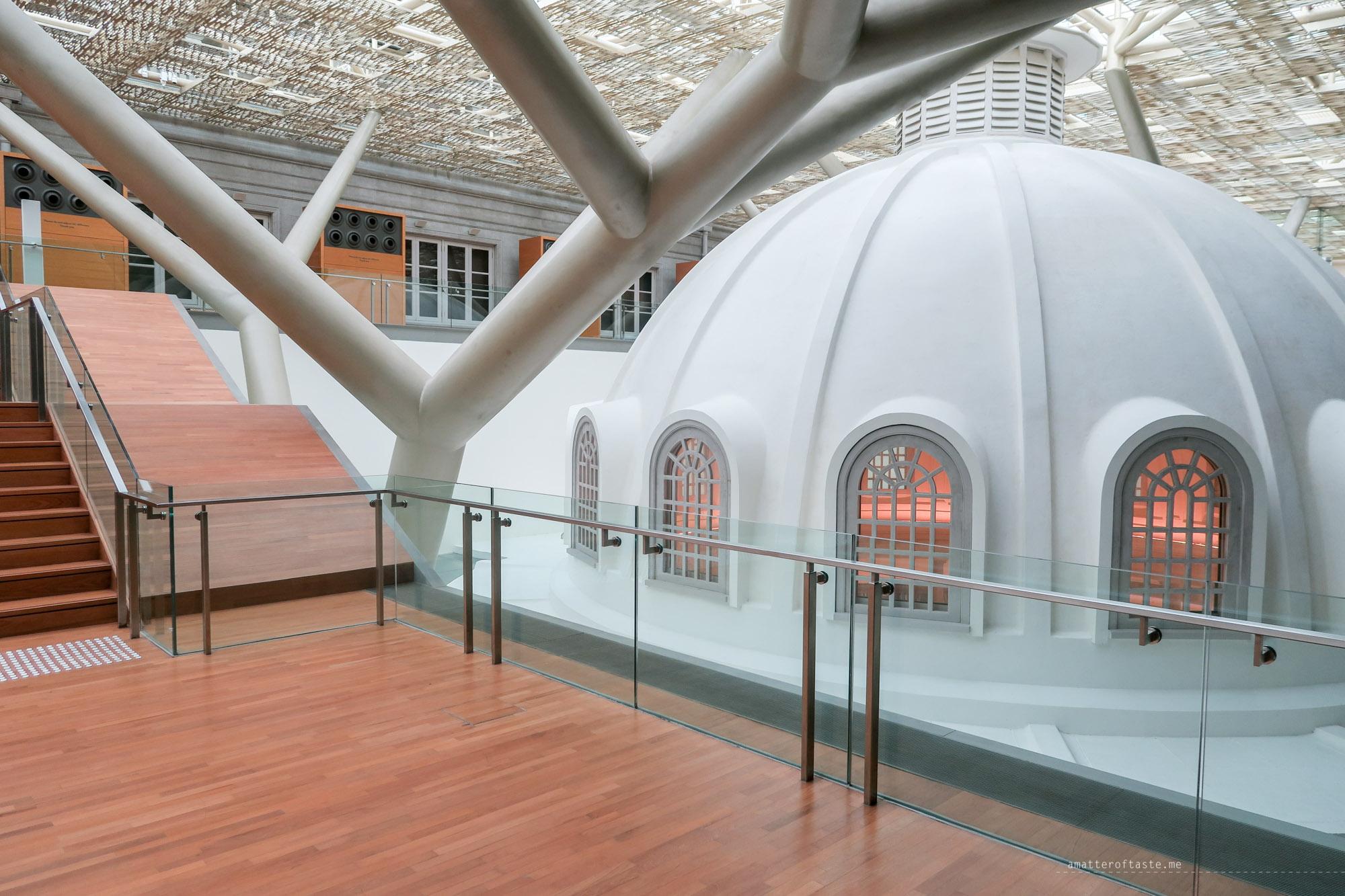 16-National-Gallery-Singapore-building-interior
