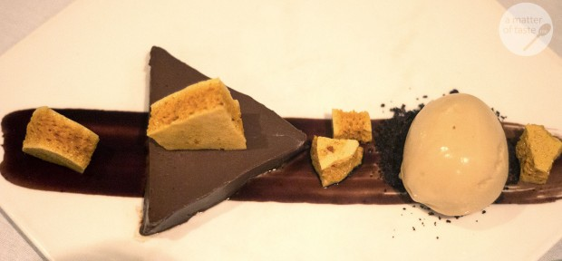 valrhona chocolate delice, honeycomb & caramel ice cream