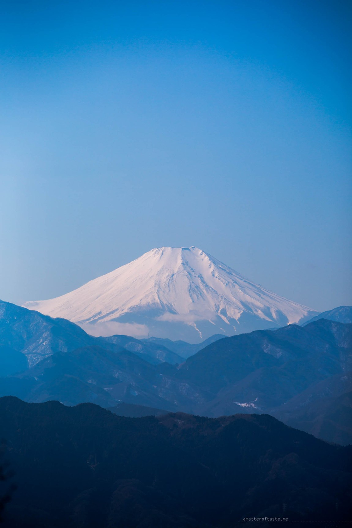 "mt fuji seen from mt Takao by ""a matter of taste"""