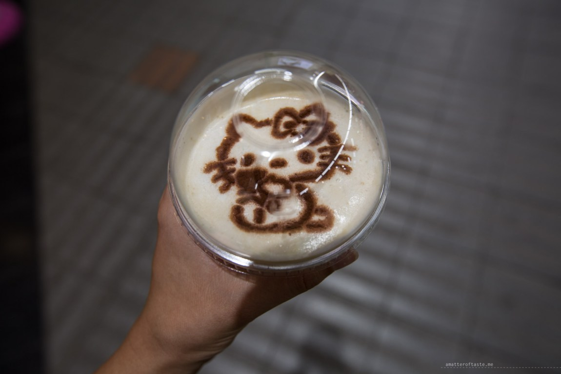 hello kitty cafe himeji Japan coffee