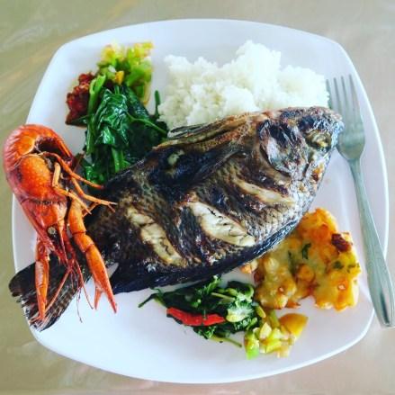 5-tondano-lake-lunch-6