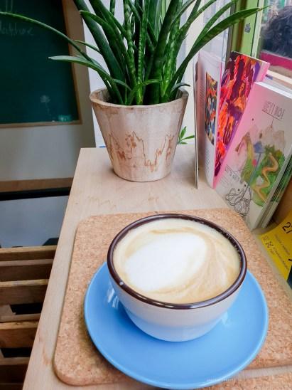 Cafe x Cafe cappuccino