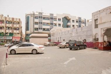 dubai-walking-deira-buildings
