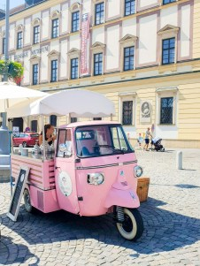 bozsky kopecek vegan ice cream brno car