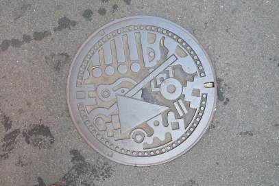 manholes-japan01