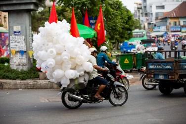 saigon motorbike transport bottles